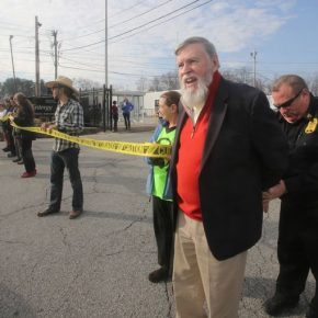 Protesters Block Indian Point Entrance To Mark Expiration Of License