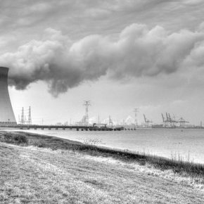 Nuclear reactors make climate change worse